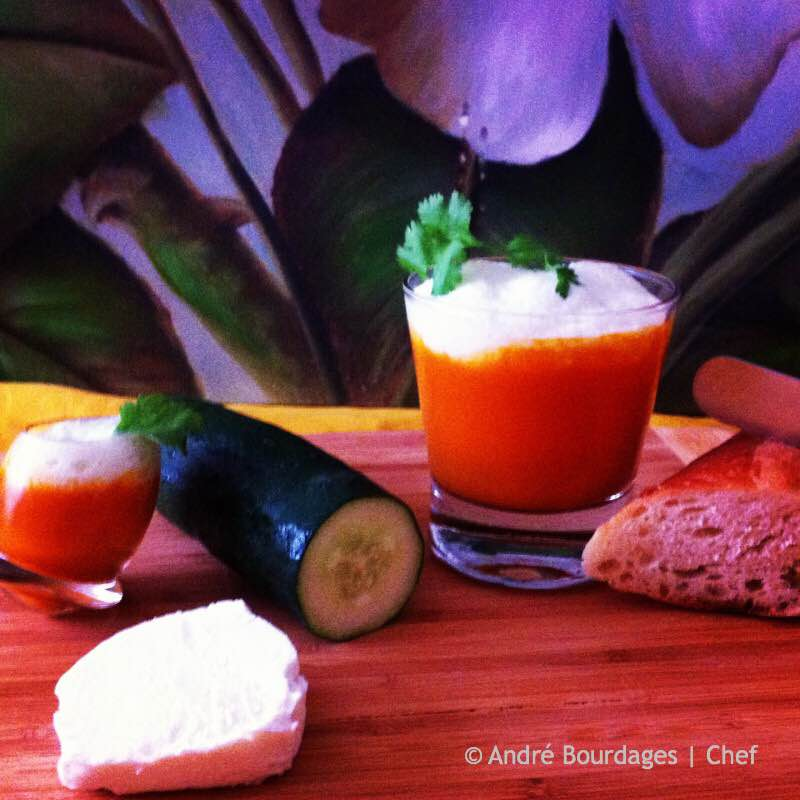 Soupe froide de tomates noires et nuage caprin de concombre - Finale